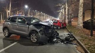 Torino, scontro tra un suv e una Fiat 600: in fin di vita un ragazzo di 27 anni