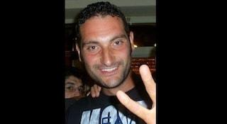 Soffocato da un boccone di carne mentre è a cena al ristorante: Roberto muore a 36 anni