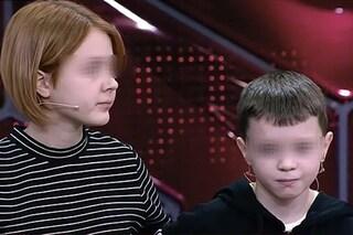 """Incinta a 14 anni confessa in tv: """"Il padre ha 10 anni"""". Ma per la polizia è stato un 15enne"""