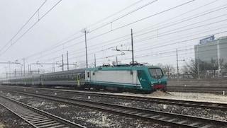 Mestre, treno esce dai binari e finisce sulla massicciata della stazione