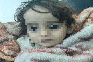Iman, la neonata morta di freddo in un campo profughi in Siria