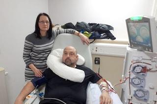 Dona un rene al marito malato per il suo cinquantesimo compleanno