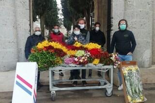 Coronavirus, azienda del barese dona 30mila fiori e rose ai cimiteri da distribuire sulle tombe