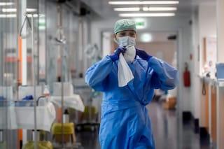 Coronavirus, la Protezione Civile recluta 500 infermieri contro l'emergenza: online il bando