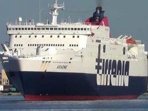 Traghetto Cagliari – Palermo, il video dalla nave: 600 a bordo assembrati senza nessun controllo