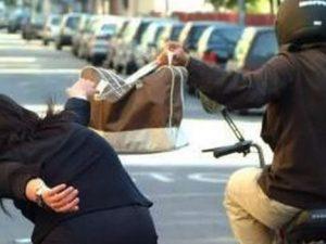 Monfalcone, scippata una ragazza con la sindrome di down: nella borsa c'era solo un pezzo di pane
