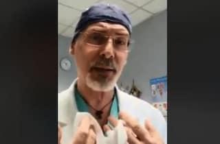 """""""Le mascherine sono inutili"""". Il medico di Aosta ora è positivo al Coronavirus"""