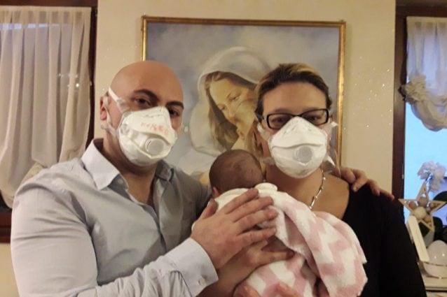 Marco e Marta con la loro piccola Beatrice Aurora
