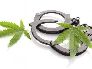 Non fumare quella canna: ecco i paesi con le leggi più restrittive sulla cannabis