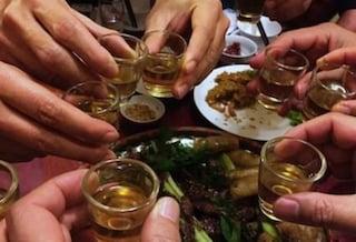 Coronavirus, sei ragazzi organizzano una festa in casa a Valdagno: intervengono i carabinieri