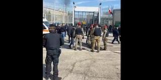 Coronavirus, ancora ricercati 6 detenuti evasi dal carcere di Foggia: 3 sono considerati pericolosi