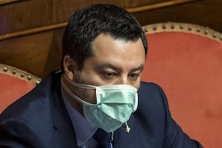 """La bufala di Salvini: """"In Svizzera basta un un foglio e ti accreditano subito 500mila franchi"""""""