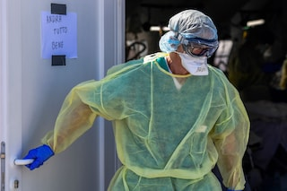 """L'ospedale di Ascoli invitava medici e infermieri a non usare mascherine: """"Generate falso allarme"""""""