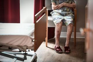 Orrore in casa si riposo: fisioterapista violenta una 95enne malata di Alzheimer