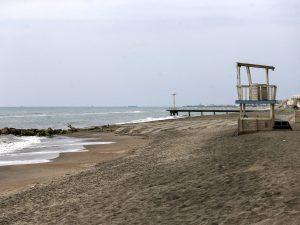 Chi abita vicino al mare potrà passeggiare in spiaggia e fare il bagno