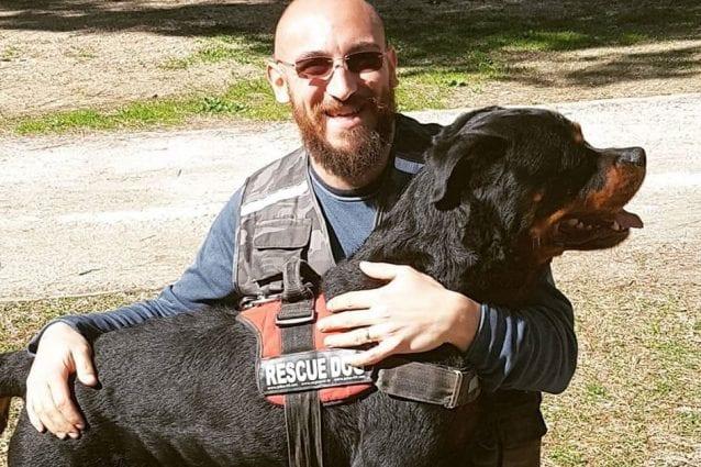 """Morto il rottweiler Aaron, eroe tra le macerie di Amatrice: """"Eri un collega e un amico"""""""