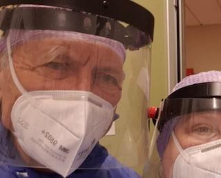 """Alberto, medico in pensione, torna in corsia a 69 anni: """"Non ho paura, voglio essere d'aiuto"""""""