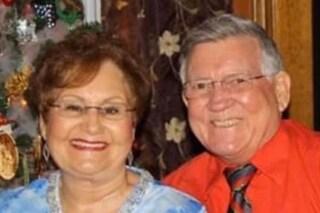 Sposati da 50 anni muoiono di coronavirus a 8 minuti di distanza tenendosi per mano
