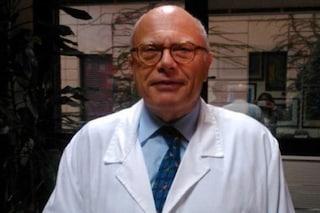 """Covid-19, infettivologo Galli: """"Le mascherine chirurgiche durano un giorno, poi vanno buttate"""""""