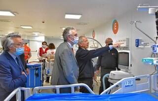 Marche, l'ospedale covid di Bertolaso è pronto: 12 milioni, ma non si trovano né medici né pazienti