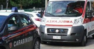 Torino, negazionisti bloccarono ambulanza: indagati per interruzione di pubblico servizio