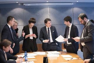 Sondaggi politici, scende la fiducia degli italiani nel governo durante la Fase 2