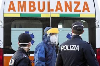Viareggio, cade dal terrazzo di un appartamento mentre fa le pulizie: morto
