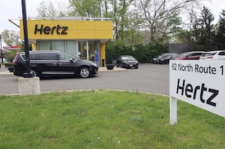 Il Coronavirus ha colpito duramente il settore delle auto a noleggio: Hertz dichiara bancarotta