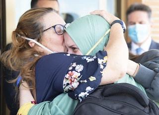 Bentornata a casa, Silvia Romano: non pensare agli hater, noi ti vogliamo bene