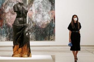 Governo cancella l'Iva sulle mascherine perché beni essenziali: ora la tagli anche sugli assorbenti