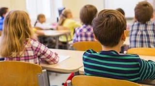 """""""Sclerata"""", bimbo insulta la maestra nel tema: genitori condannati a pagare 1.000 euro"""