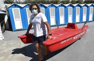 I bagnini non possono più salvare vite in spiaggia: vietata la respirazione bocca a bocca