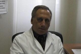 """Virologo Caruso: """"Il Coronavirus sta perdendo forza con caldo e mascherine ma ritornerà"""""""
