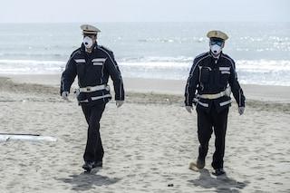 Spiagge libere e stabilimenti, le regole tra distanziamento (anche in acqua) e prenotazioni