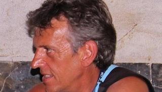 Precipita in un canalone durante un'escursione: muore maestro elementare di 56 anni