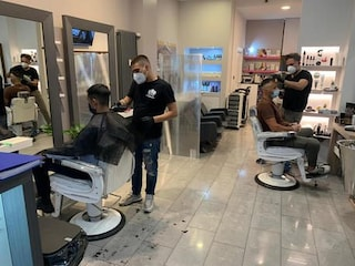 A Bolzano hanno già riaperto parrucchieri, bar e ristoranti: mascherine obbligatorie
