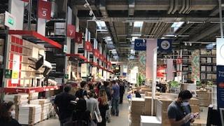 """Ikea riapre, è assalto a Torino. Sindacati: """"Arrivate 15mila persone"""""""