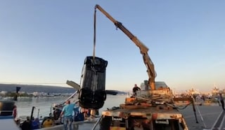 Manfredonia, perde il controllo dell'auto e finisce in mare: Anna muore annegata a 51 anni