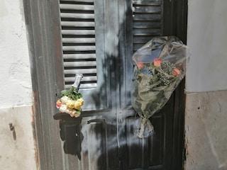 Giallo a Marsala, uomo trovato morto in casa. Qualcuno ha lasciato fiori prima della scoperta corpo