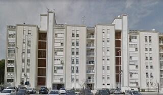 Dramma a Lecce: precipita dal terrazzo mentre aggiusta l'antenna, morto sul colpo