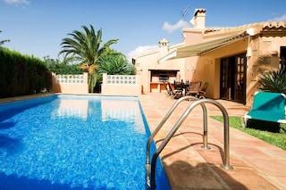 Bonus vacanze, per l'estate sconto fino a 500 euro a famiglia: a chi spetta e come funziona
