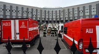 San Pietroburgo, incendio nell'ospedale covid: morti cinque pazienti, 150 evacuati