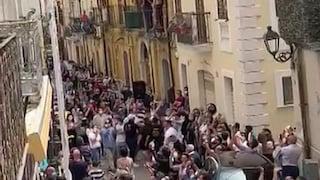 San Severo, in 300 alla festa della Madonna: assembramento senza mascherina e dedica al boss