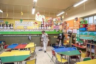Mescola le classi, riduci l'orario, mangia in aula: così la Spagna prova a riaprire le scuole