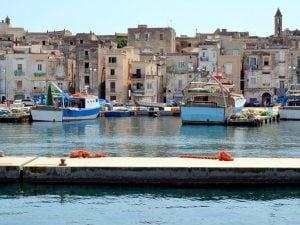 Taranto, case in vendita a 1 euro per ripopolare la sua Isola: pubblicato il bando