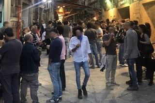 Movida selvaggia a Palermo per l'inizio della fase 2: in centinaia senza mascherine alla Vucciria