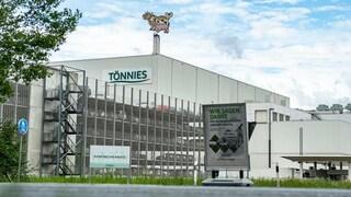 Germania: 7000 in quarantena per focolaio nel macello, scuole e ludoteche chiuse