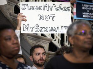 Vietato licenziare qualcuno perché gay o trans: storica decisione della Corte Suprema Usa
