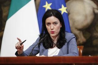 """Azzolina attacca De Luca: """"Chiusura scuole? Decisione gravissima, dovrebbe riaprirle"""""""