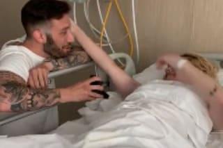 Le chiede di sposarlo, lei muore 2 giorni dopo: addio Chiara, simbolo della lotta al cancro